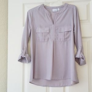 Kim Rogers taupe/silver pin-striped blouse with ro
